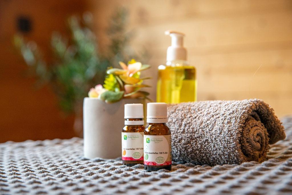 Massage suédois, massage aux huiles bio et huiles essentielles