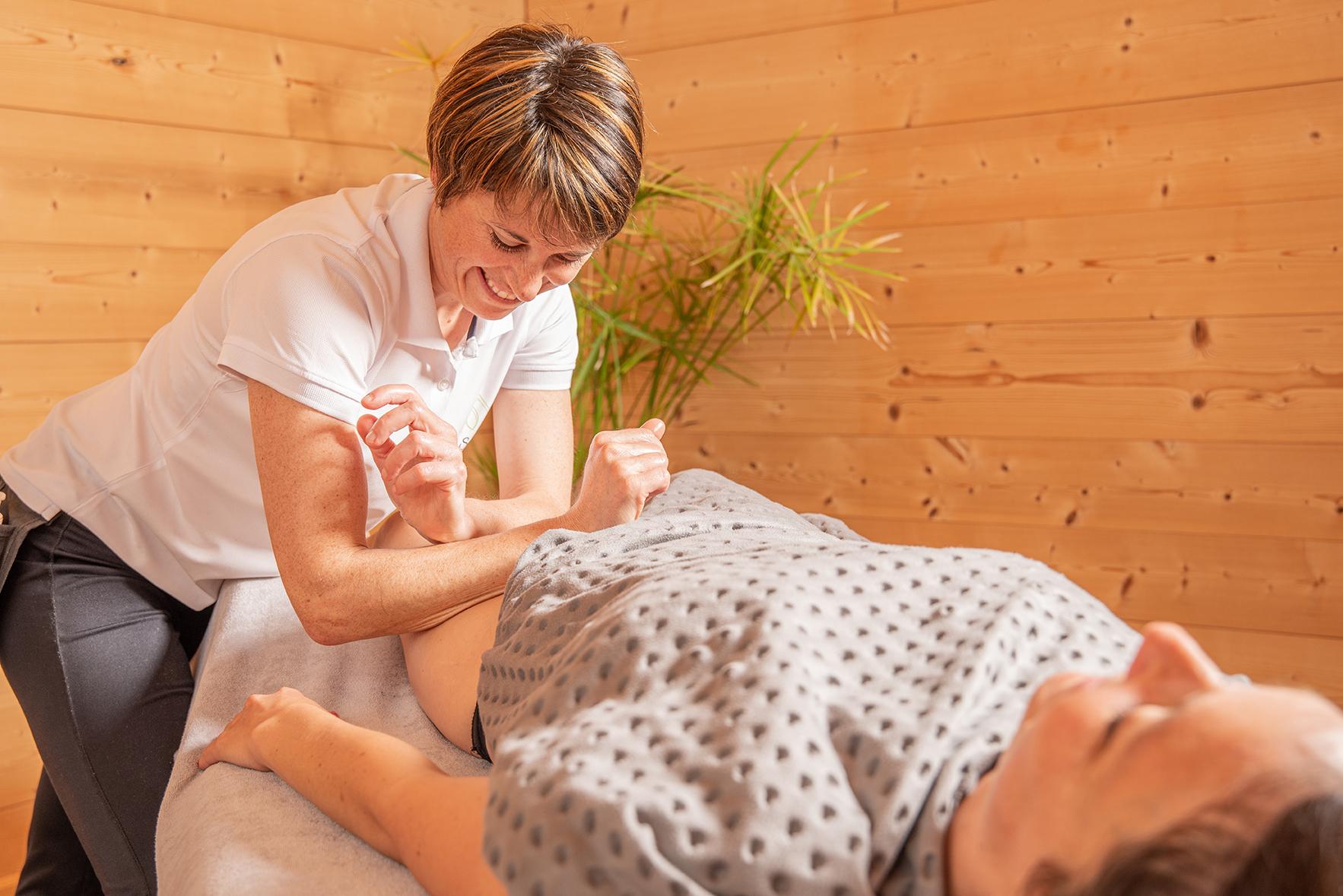 Massage des jambes : massage pour apaiser les muscles