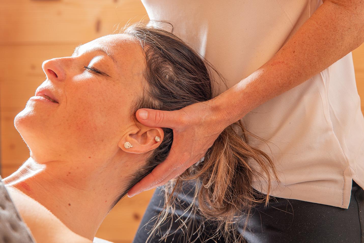 Massage de la nuque : massage relaxant. Détente et apaisement