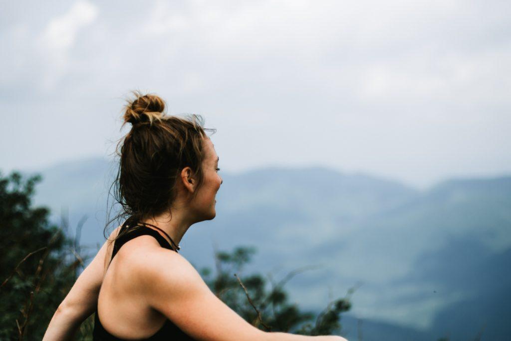Sports outddoor, escalade, trekking, trail : bien-être et récup grâce au massage suédois